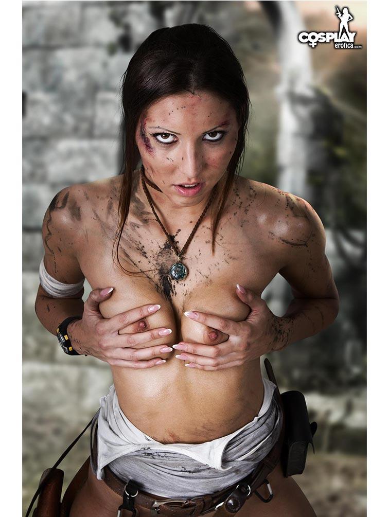 Lara Croft Cosplay 01